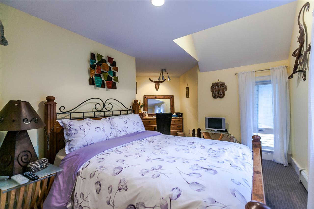 Photo 13: 225 E 17TH STREET in North Vancouver: Central Lonsdale Townhouse for sale : MLS® # R2156130