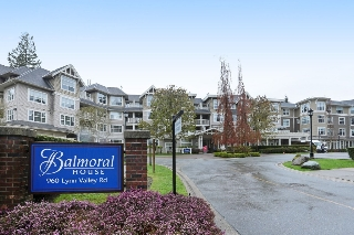 "Main Photo: 416 960 LYNN VALLEY Road in North Vancouver: Lynn Valley Condo for sale in ""Balmoral House"" : MLS®# R2162251"