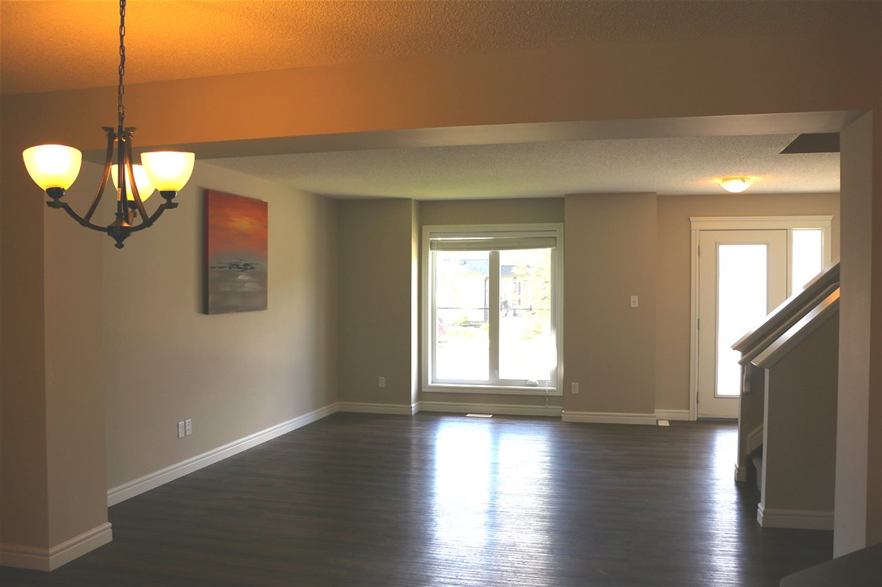 Photo 2: 3081 KESWICK Way in Edmonton: Zone 56 Attached Home for sale : MLS® # E4068204