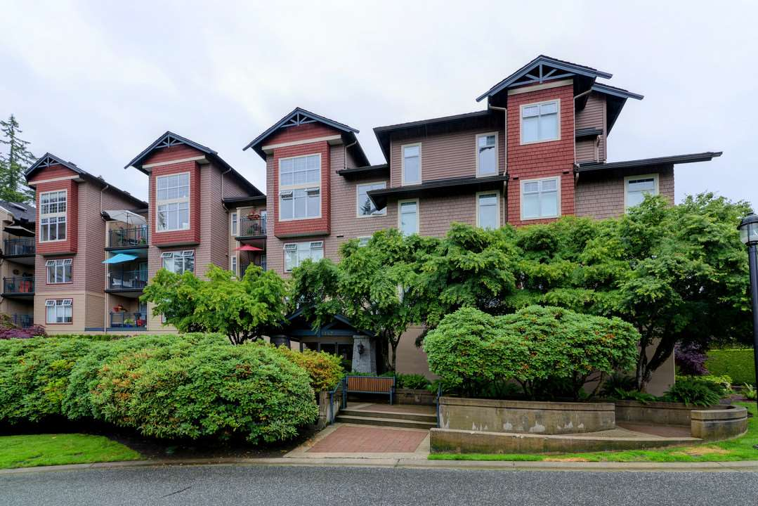 "Main Photo: 110 1140 STRATHAVEN Drive in North Vancouver: Northlands Condo for sale in ""Strathaven"" : MLS(r) # R2178970"