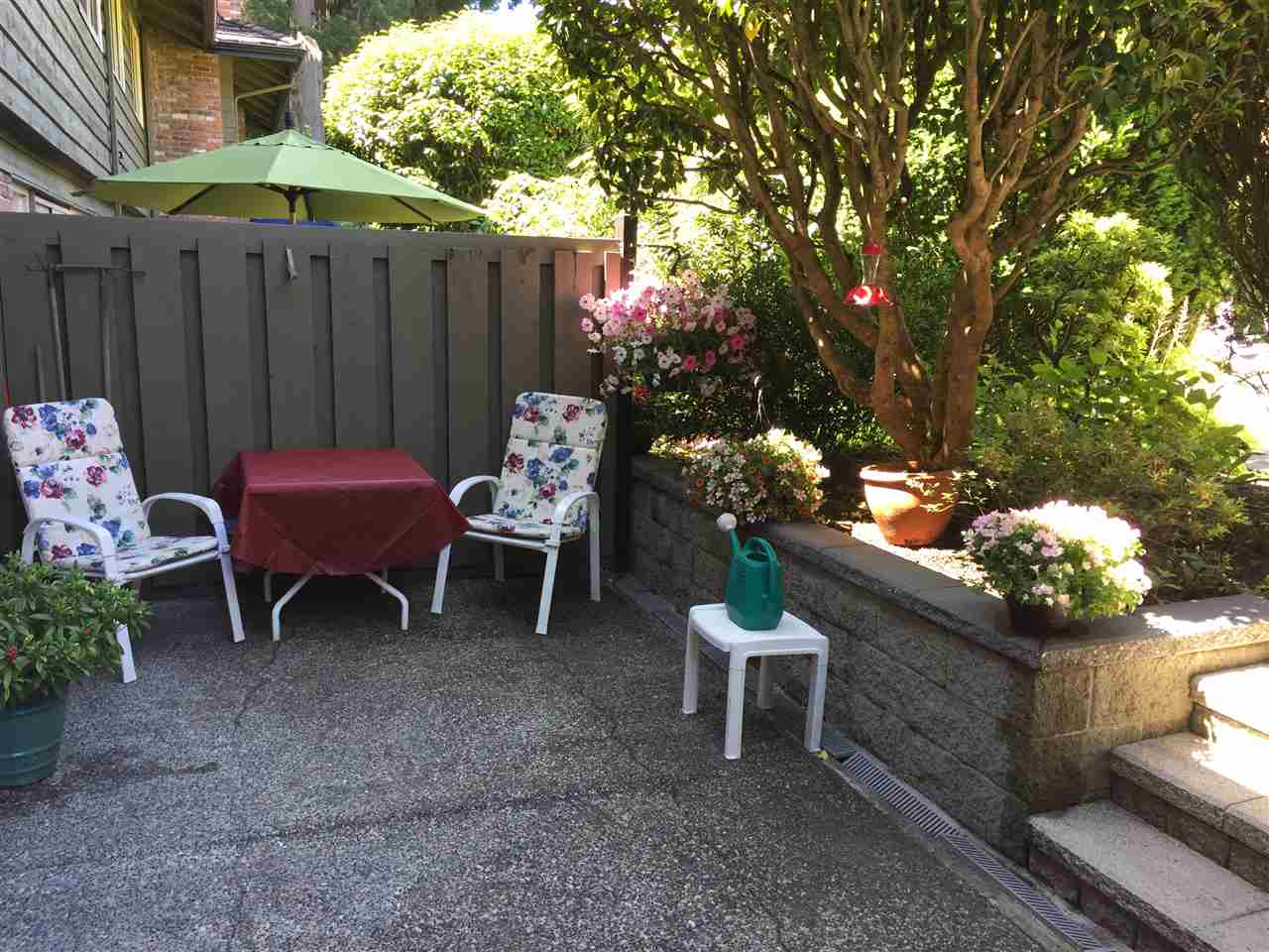 "Photo 9: 105 235 KEITH Road in West Vancouver: Cedardale Townhouse for sale in ""Spuraway Gardens"" : MLS(r) # R2178993"