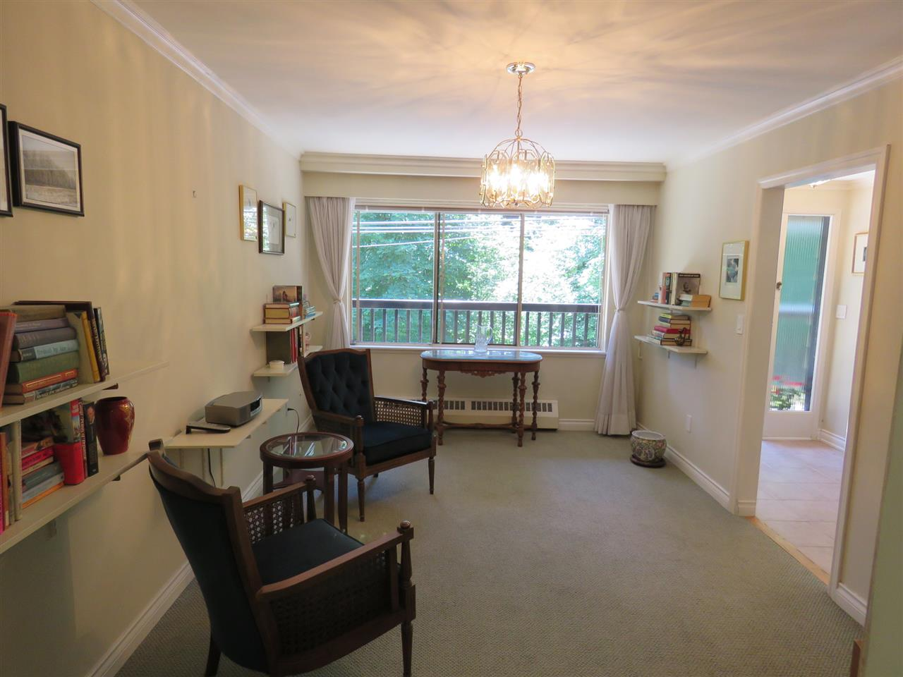 "Photo 10: 105 235 KEITH Road in West Vancouver: Cedardale Townhouse for sale in ""Spuraway Gardens"" : MLS(r) # R2178993"