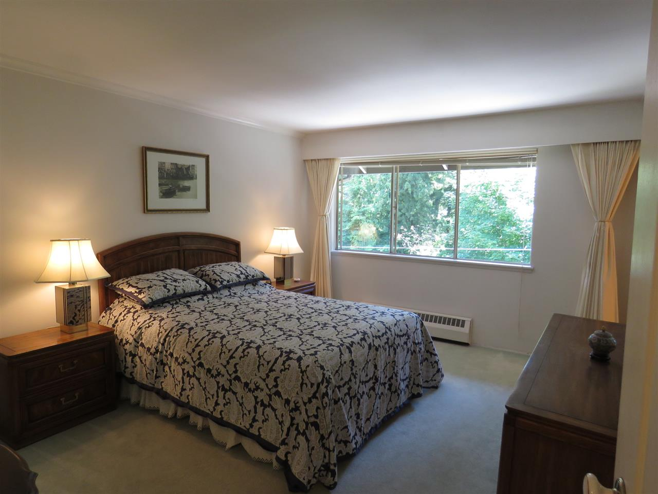 "Photo 13: 105 235 KEITH Road in West Vancouver: Cedardale Townhouse for sale in ""Spuraway Gardens"" : MLS(r) # R2178993"