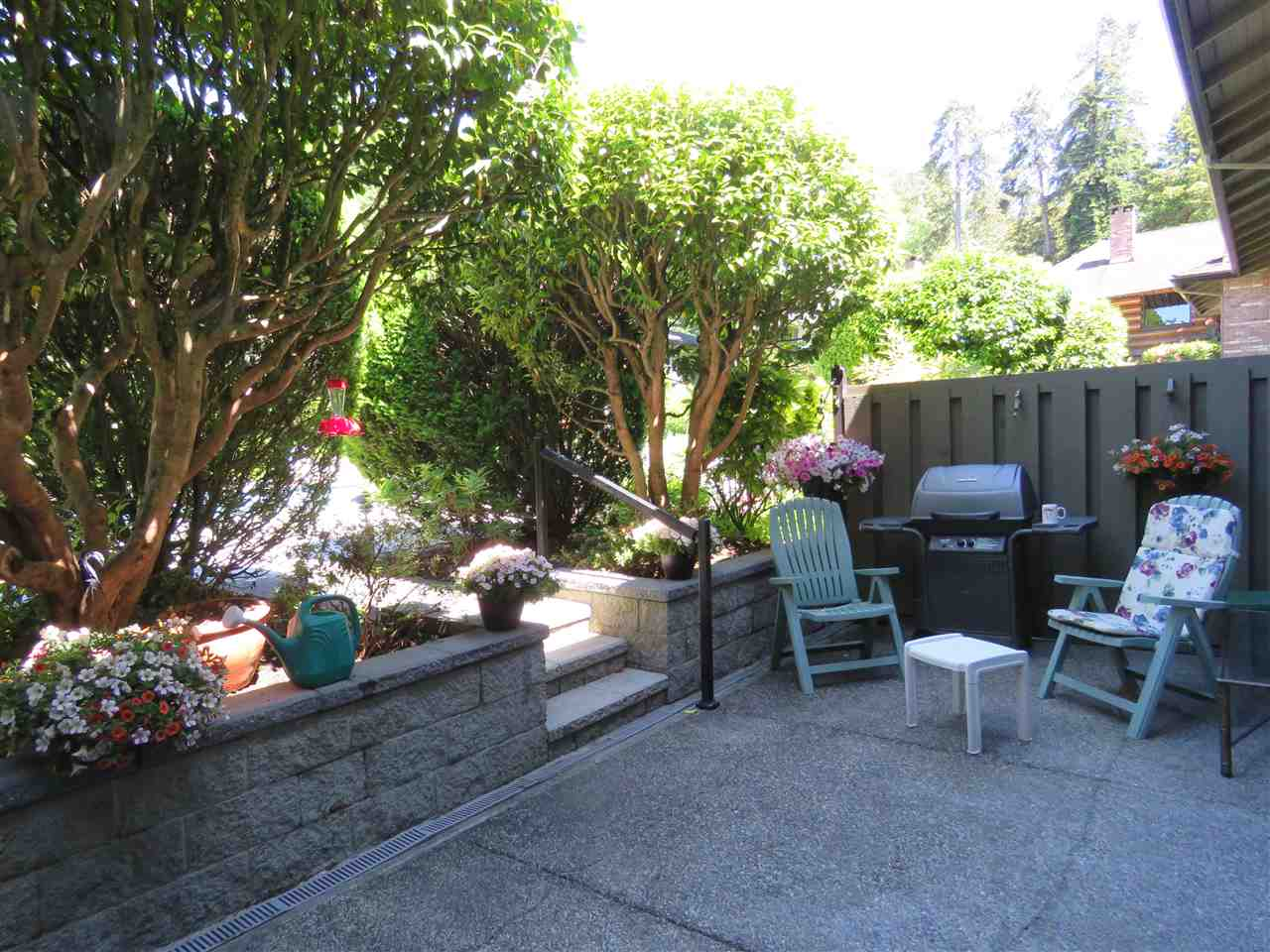 "Photo 7: 105 235 KEITH Road in West Vancouver: Cedardale Townhouse for sale in ""Spuraway Gardens"" : MLS(r) # R2178993"