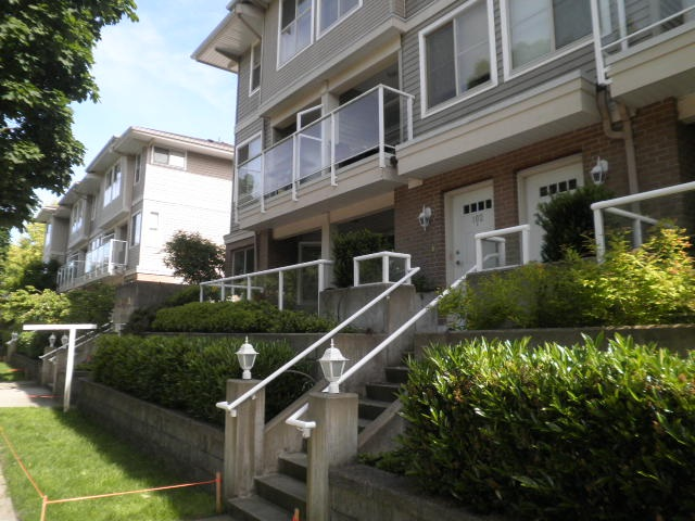 Main Photo: 102 2432 WELCHER Avenue in Port Coquitlam: Central Pt Coquitlam Townhouse for sale : MLS® # R2179694