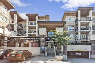 "Main Photo: 421 9655 KING GEORGE Boulevard in Surrey: Whalley Condo for sale in ""THE GRUV"" (North Surrey)  : MLS(r) # R2184602"