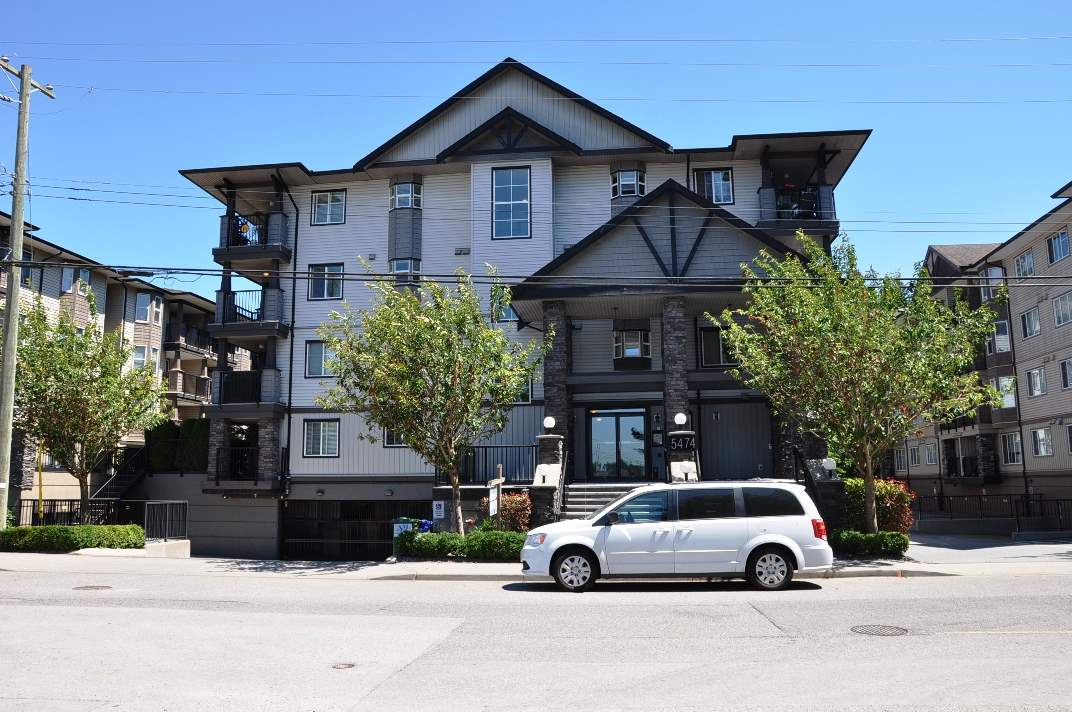 Main Photo: 202 5474 198 Street in Langley: Langley City Condo for sale : MLS® # R2186471