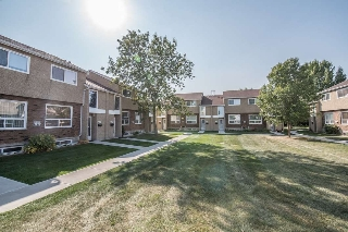Main Photo: 18258 91 Avenue NW in Edmonton: Zone 20 Townhouse for sale : MLS® # E4080990