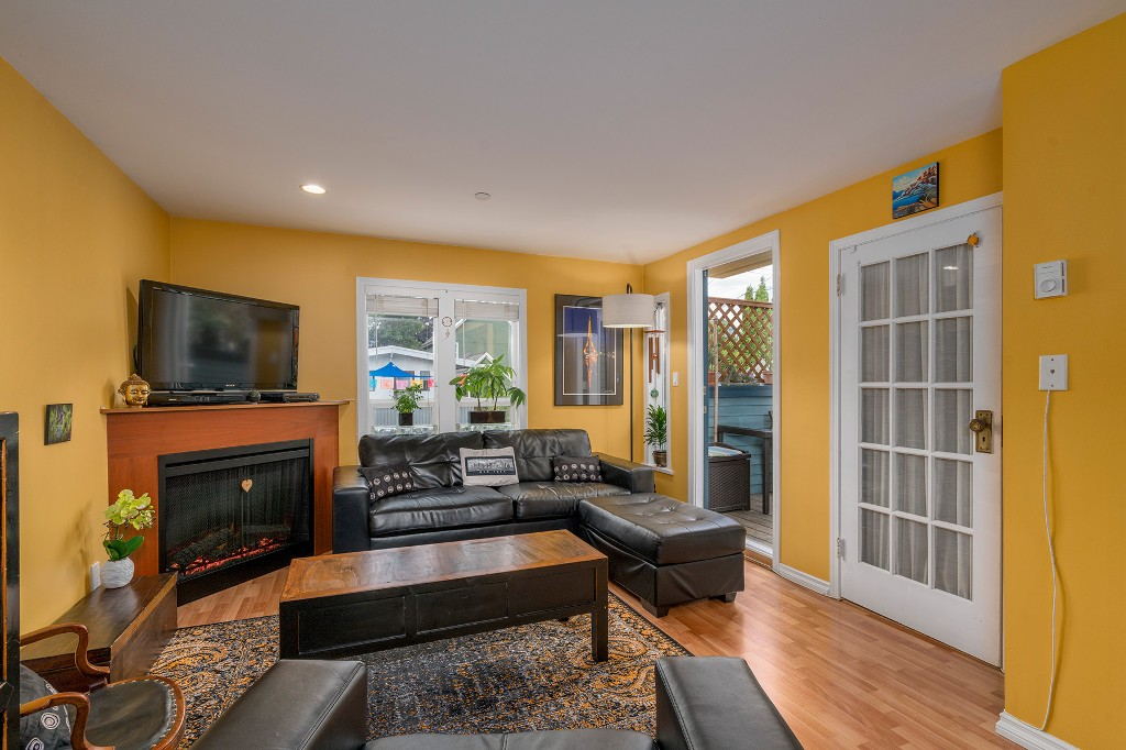 Photo 4: Photos: 849 KEEFER STREET in Vancouver: Mount Pleasant VE Townhouse for sale (Vancouver East)  : MLS®# R2204383