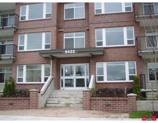 "Main Photo: 210 46150 BOLE Avenue in Chilliwack: Chilliwack N Yale-Well Condo for sale in ""NEWMARK"" : MLS®# R2217632"