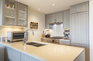 "Main Photo: 716 5598 ORMIDALE Street in Vancouver: Collingwood VE Condo for sale in ""WALL CENTRE CENTRAL PARK GARDENS"" (Vancouver East)  : MLS® # R2229623"