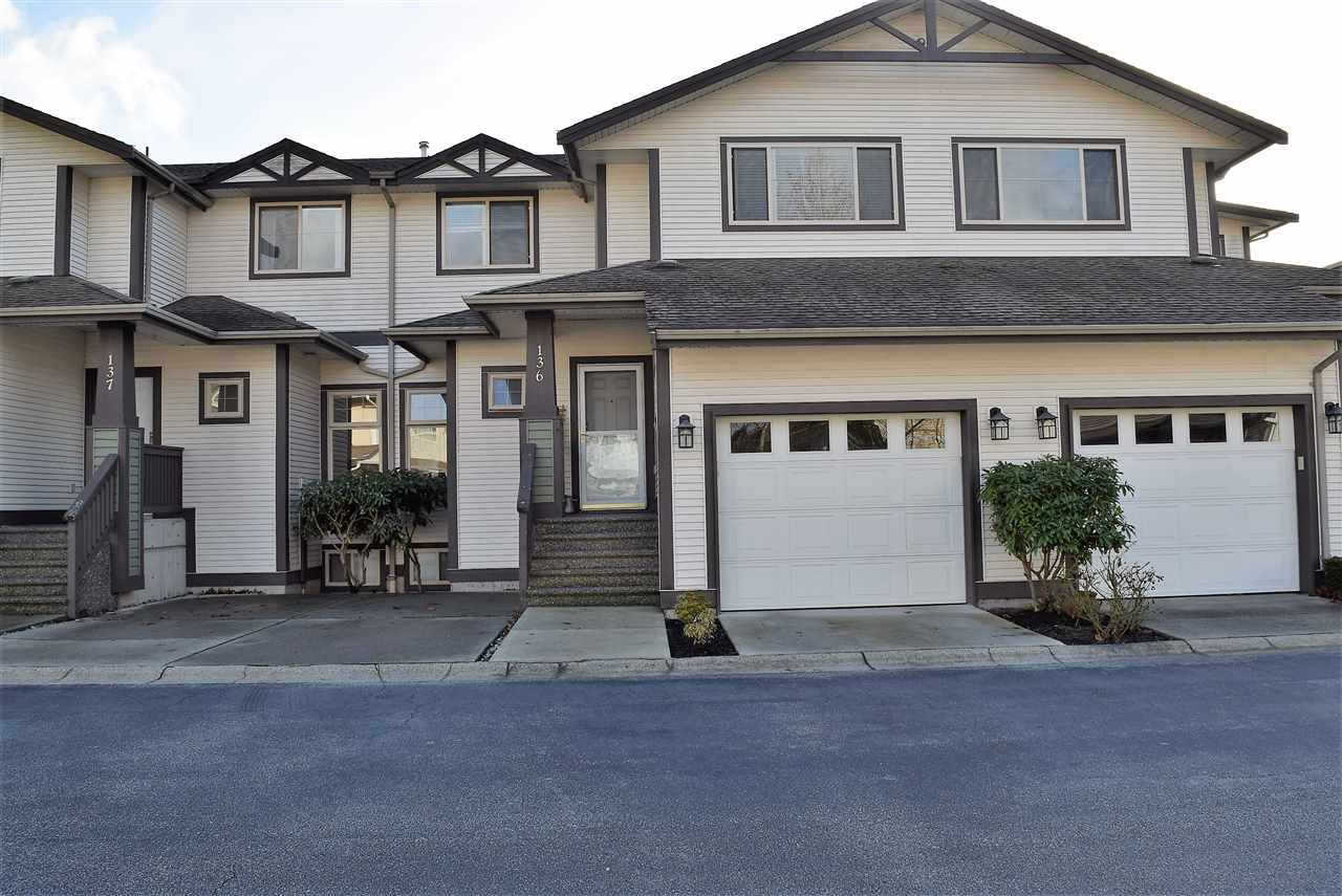 "Main Photo: 136 20820 87 Avenue in Langley: Walnut Grove Townhouse for sale in ""THE SYCAMORES"" : MLS® # R2234336"