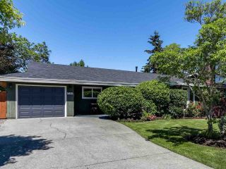 "Main Photo: 5645 51 Avenue in Delta: Hawthorne House for sale in ""HAWTHORNE"" (Ladner)  : MLS®# R2271581"