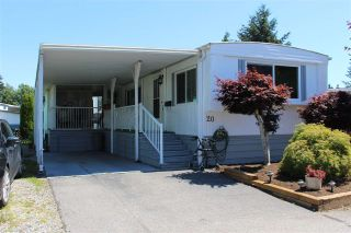 "Main Photo: 20 8560 156 Street in Surrey: Fleetwood Tynehead Manufactured Home for sale in ""WEST VILLA"" : MLS®# R2281466"