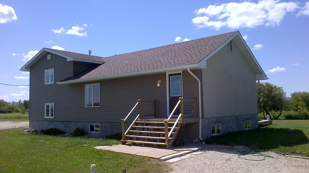 Main Photo: 70078 Hwy. 212 in RM Springfield: Single Family Detached for sale : MLS® # 1215788
