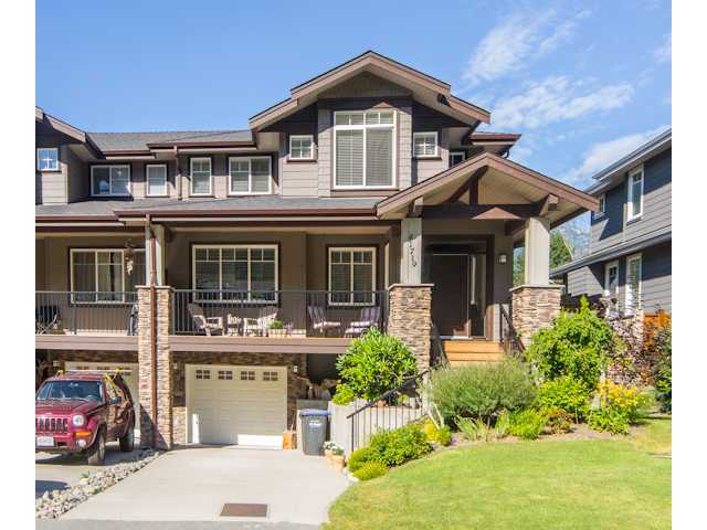 Main Photo: 41719 HONEY Lane in Squamish: Brackendale Condo for sale : MLS®# V993567