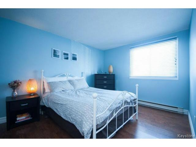 Photo 10: 476 Kenaston Boulevard in WINNIPEG: River Heights / Tuxedo / Linden Woods Condominium for sale (South Winnipeg)  : MLS® # 1403509