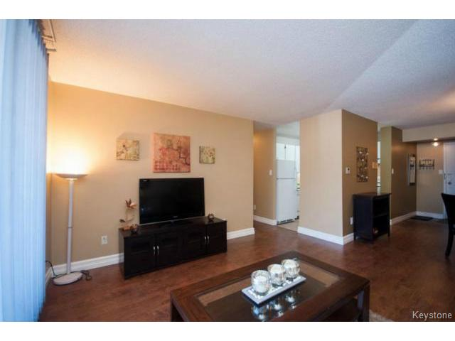 Photo 6: 476 Kenaston Boulevard in WINNIPEG: River Heights / Tuxedo / Linden Woods Condominium for sale (South Winnipeg)  : MLS® # 1403509