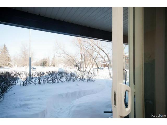 Photo 8: 476 Kenaston Boulevard in WINNIPEG: River Heights / Tuxedo / Linden Woods Condominium for sale (South Winnipeg)  : MLS® # 1403509