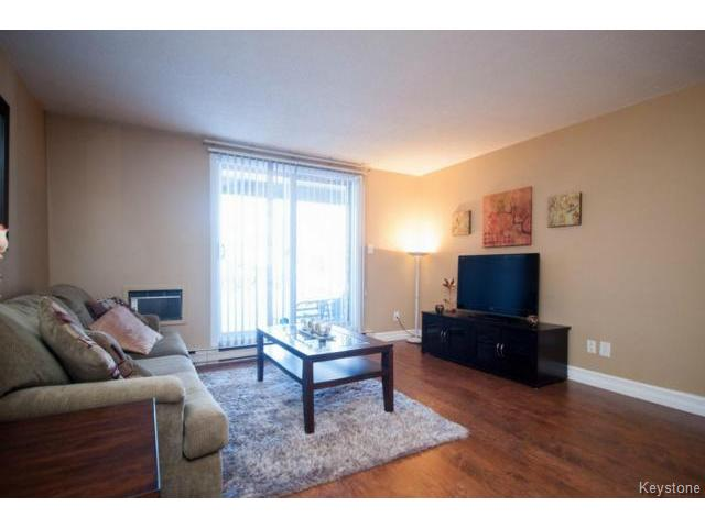 Photo 7: 476 Kenaston Boulevard in WINNIPEG: River Heights / Tuxedo / Linden Woods Condominium for sale (South Winnipeg)  : MLS® # 1403509