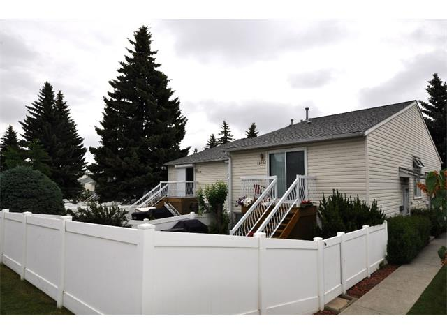 Main Photo: 11454 8 Street SW in Calgary: Southwood House for sale : MLS® # C4017720