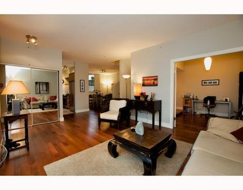 Photo 3: 1490 HORNBY Street in Vancouver West: Home for sale : MLS(r) # V803506