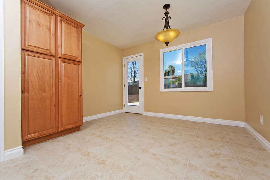 Photo 7: SANTEE House for sale : 3 bedrooms : 9452 Terrywood Road