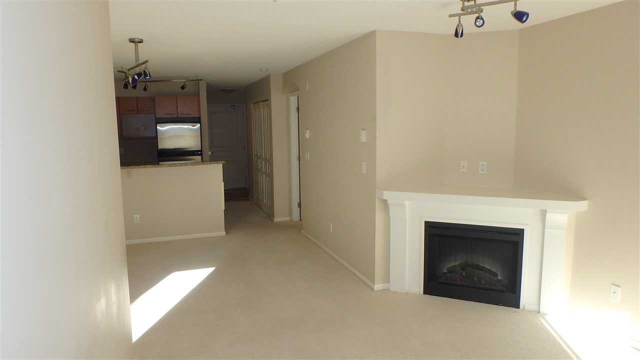 "Photo 3: 173 9100 FERNDALE Road in Richmond: McLennan North Condo for sale in ""KENSINGTON COURT"" : MLS(r) # R2012782"