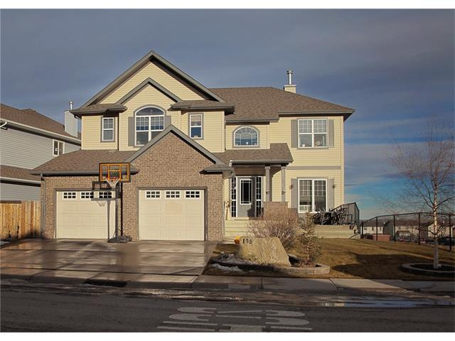 Main Photo: 108 WESTMOUNT Road: Okotoks House for sale : MLS® # C4046729