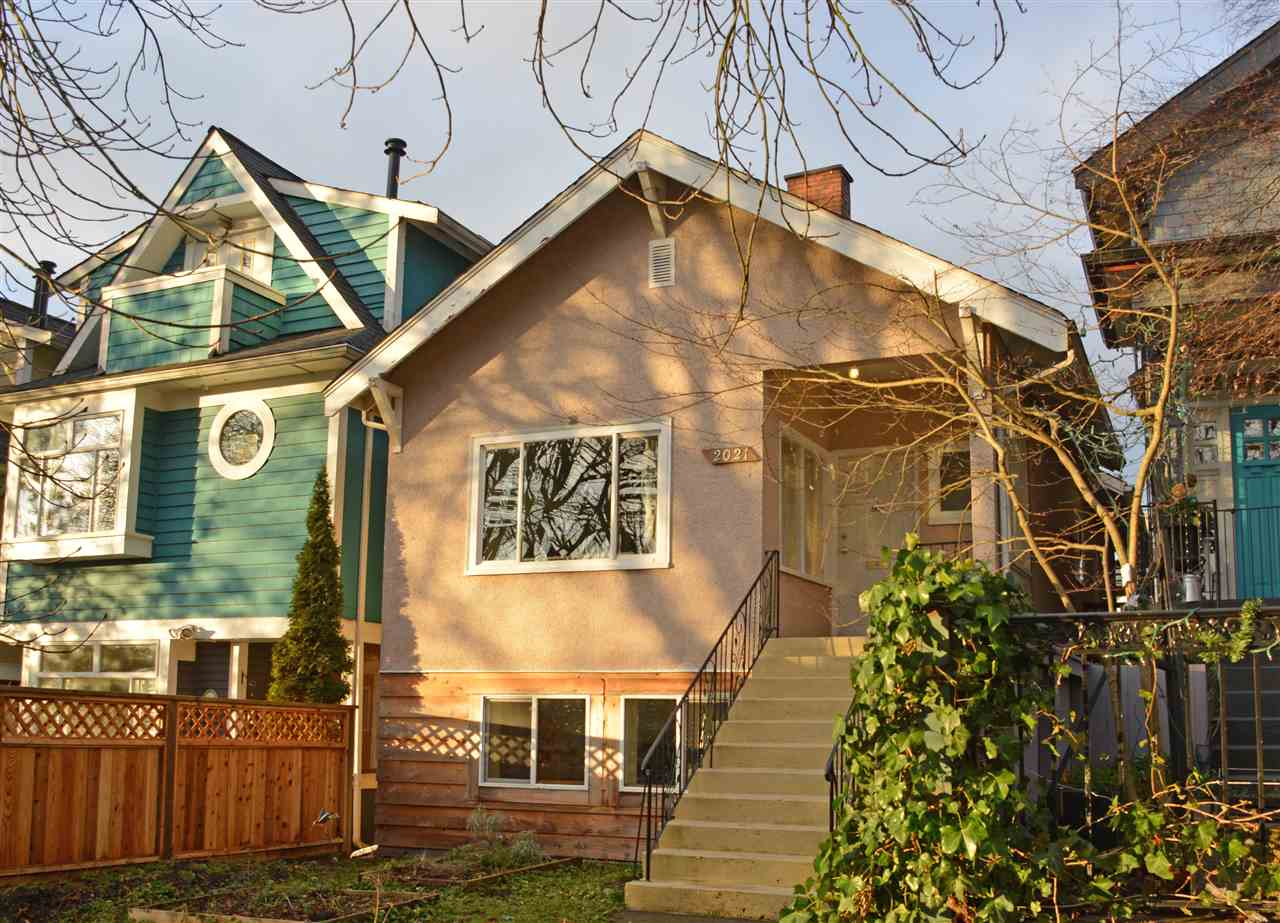 Main Photo: 2021 KITCHENER Street in Vancouver: Grandview VE House for sale (Vancouver East)  : MLS® # R2030075