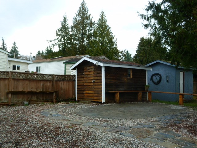 "Photo 6:  in Sechelt: Sechelt District Manufactured Home for sale in ""MASON ROAD MOBILE HOME PARK"" (Sunshine Coast)  : MLS(r) # R2033933"