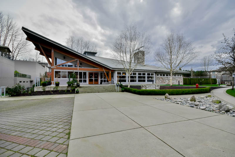 "Photo 28: 211 500 KLAHANIE Drive in Port Moody: Port Moody Centre Condo for sale in ""TIDES"" : MLS® # R2040671"