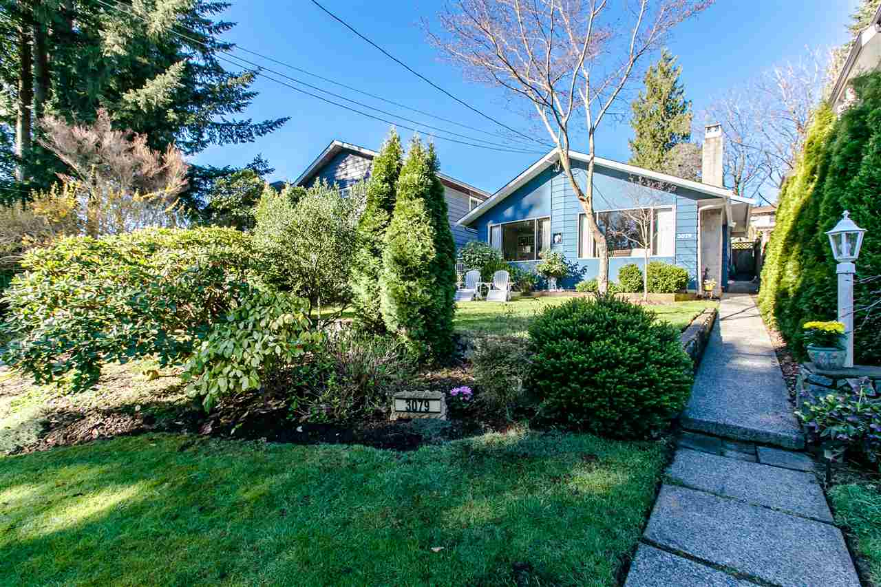 Main Photo: 3079 SUNNYHURST Road in North Vancouver: Lynn Valley House for sale : MLS® # R2050313
