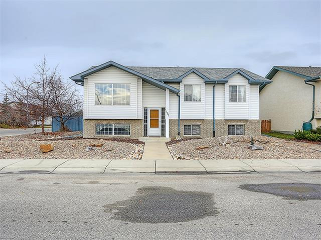 Main Photo: 191 STRATHAVEN Crescent: Strathmore House for sale : MLS® # C4088087