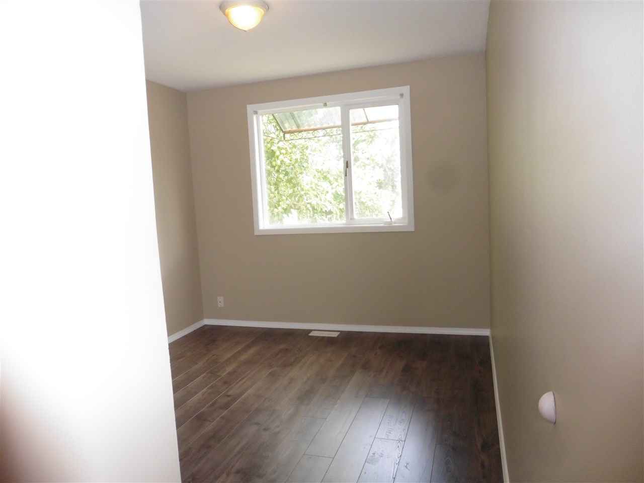 "Photo 3: Photos: 829 DOUGLAS Street in Prince George: Central House for sale in ""CENTRAL"" (PG City Central (Zone 72))  : MLS®# R2121303"