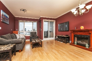 Main Photo: 4 2560 KINGSWAY in Vancouver: Collingwood VE Condo for sale (Vancouver East)  : MLS(r) # R2130104