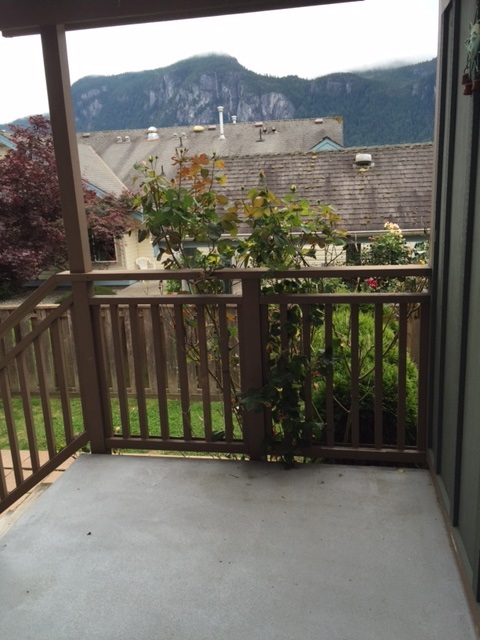 "Photo 12: 102 1174 WINGTIP Place in Squamish: Downtown SQ Condo for sale in ""TALON AT EAGLEWIND (CARRIAGE HOME)"" : MLS® # R2139321"