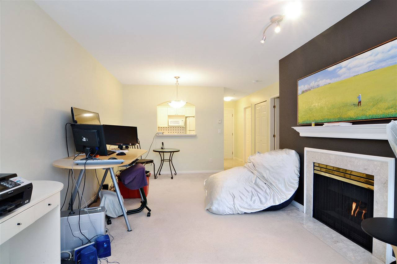 "Photo 6: 337 2980 PRINCESS Crescent in Coquitlam: Canyon Springs Condo for sale in ""Montclaire"" : MLS(r) # R2142405"