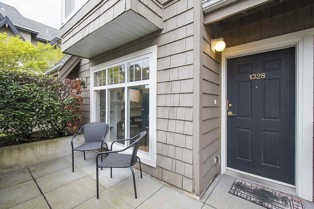 Main Photo: 1328 MAHON Avenue in North Vancouver: Central Lonsdale Townhouse for sale : MLS®# R2156696