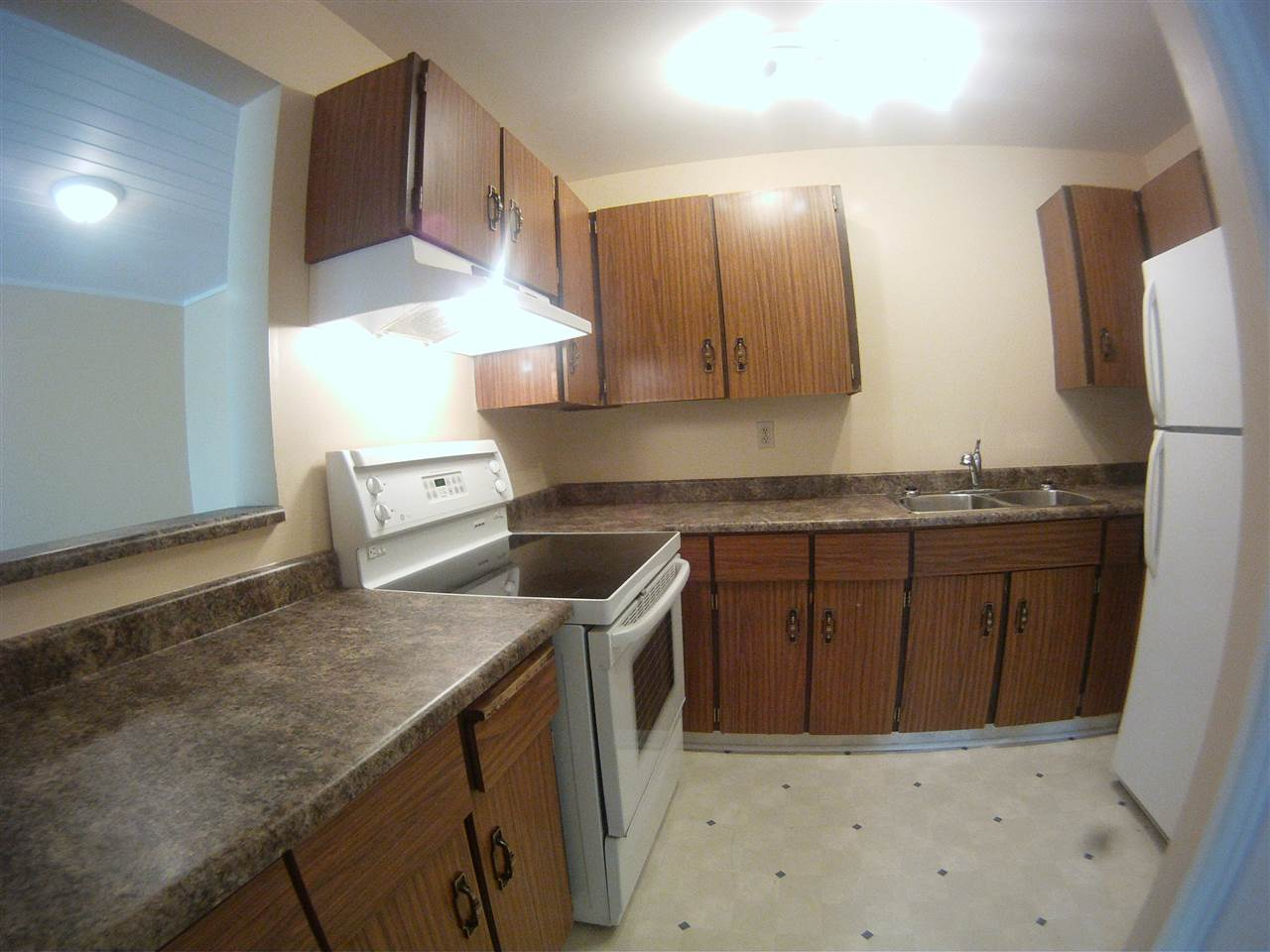 Photo 7:  in Edmonton: Zone 20 Townhouse for sale : MLS(r) # E4067343