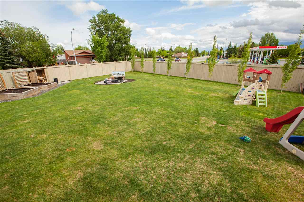Photo 3: 10103 93 Street: Morinville House for sale : MLS® # E4067521