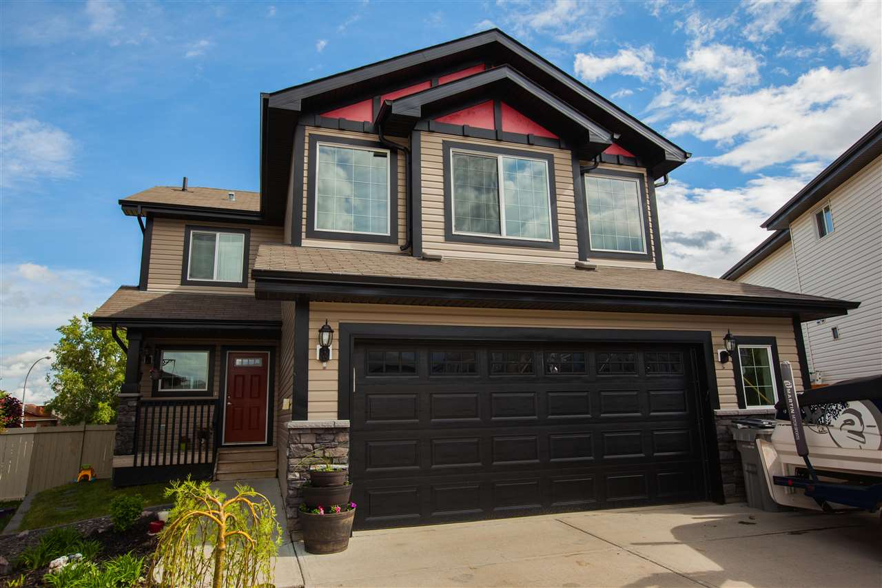 Main Photo: 10103 93 Street: Morinville House for sale : MLS® # E4067521