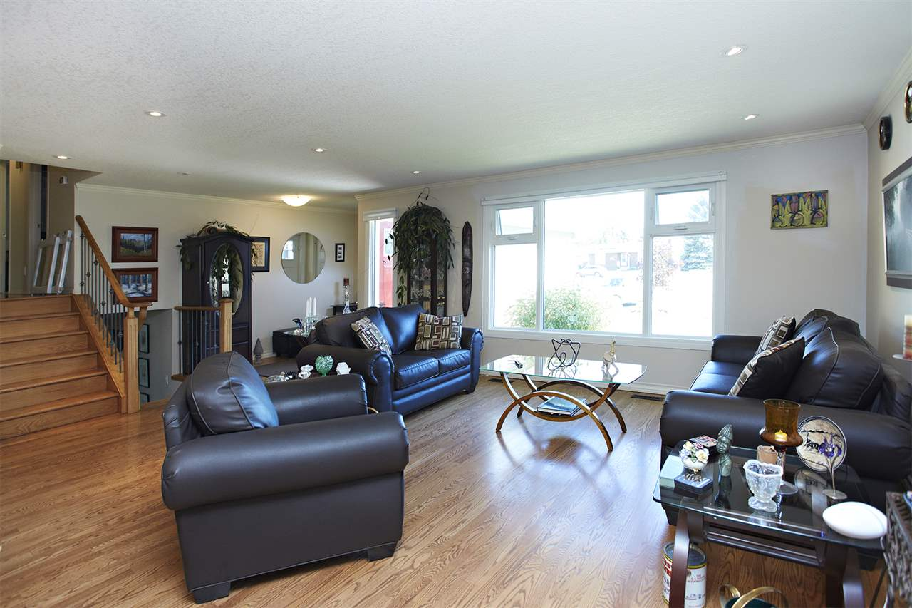Photo 9: 11722 28 Avenue in Edmonton: Zone 16 House for sale : MLS(r) # E4068582