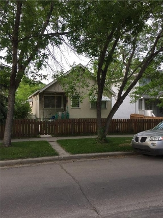 Main Photo: 510 12 Avenue NE in Calgary: Renfrew House for sale : MLS(r) # C4122686