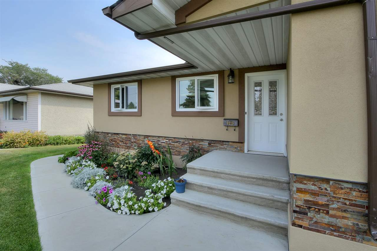 Main Photo: 9219 62 Street in Edmonton: Zone 18 House for sale : MLS(r) # E4070946