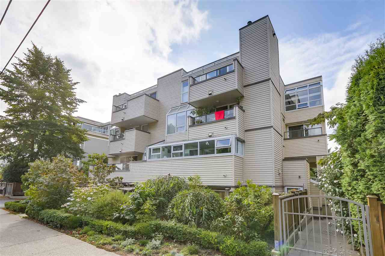 Main Photo: 11 3250 W 4TH Avenue in Vancouver: Kitsilano Condo for sale (Vancouver West)  : MLS® # R2198551