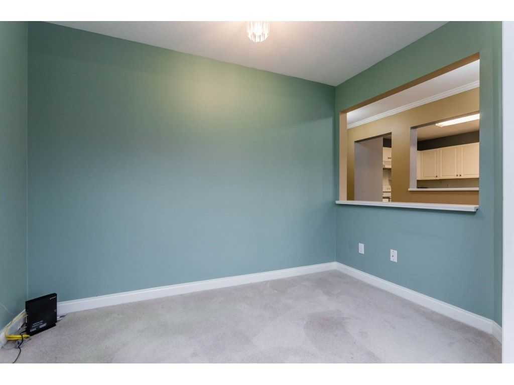 "Photo 13: Photos: 305 32044 OLD YALE Road in Abbotsford: Abbotsford West Condo for sale in ""Green Gables"" : MLS® # R2211381"