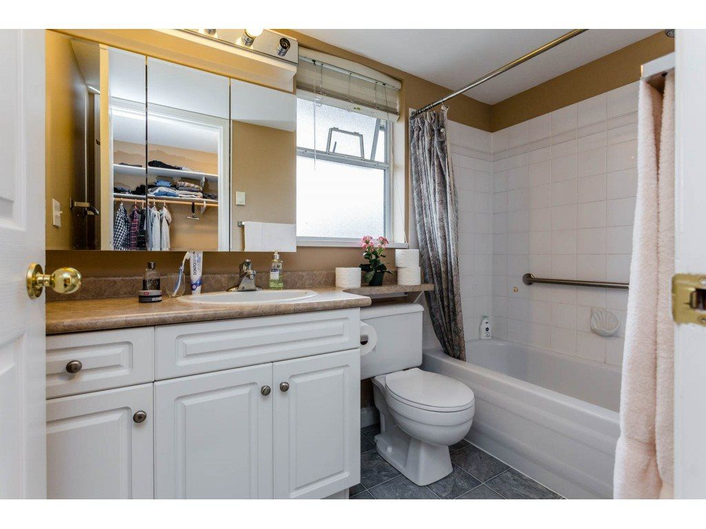 "Photo 15: Photos: 305 32044 OLD YALE Road in Abbotsford: Abbotsford West Condo for sale in ""Green Gables"" : MLS® # R2211381"