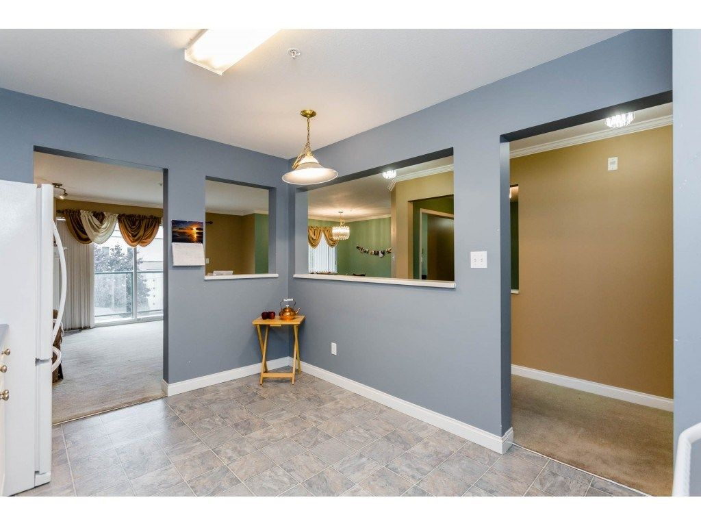 "Photo 10: Photos: 305 32044 OLD YALE Road in Abbotsford: Abbotsford West Condo for sale in ""Green Gables"" : MLS® # R2211381"