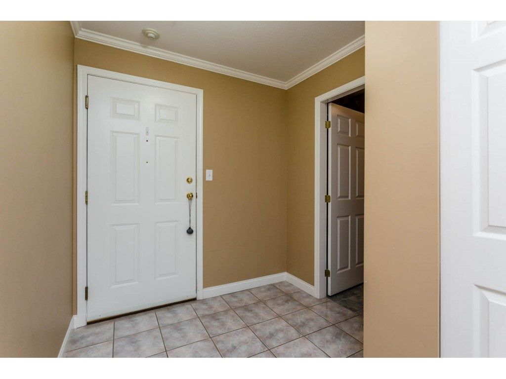 "Photo 19: Photos: 305 32044 OLD YALE Road in Abbotsford: Abbotsford West Condo for sale in ""Green Gables"" : MLS® # R2211381"